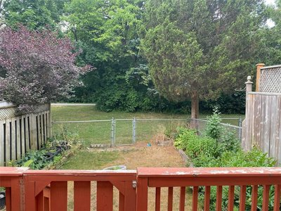 10 Red River Cres